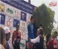 فيديو| سيف العابد يحصد المركز الأول في سباق التتابع في البطولة العربية