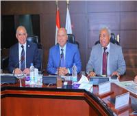 «الوزير» يبحث تنفيذ محور بديل لكوبري خزان أسوان