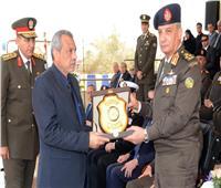 وزير الدفاع يشهد حفل تخرج الدفعة 155 من كلية الضباط الاحتياط