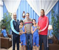 رئيس الشمس يكرم أبطال الجيزة لكرة السلة «3×3»