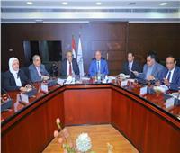 وزير النقل يلتقي رئيس «العربية للتصنيع» لدعم التعاون في مجال السكك الحديدية