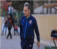 «لاسارتي» يعقد محاضرة مع لاعبي الأهلي قبل المران