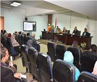 محافظ أسيوط يشهد تدريب العاملين على برنامج «ميكنة الإدارات»