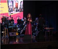 صور  نسمة محجوب تشعل أجواء «حكاوي الجاز» مع فرقة جليساندو