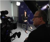 قبيل مغادرتها مدينة إشبيلية.. المشاط تعقد عددًا من اللقاءات الإعلامية