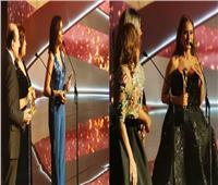 نيللى وأنغام تحصدان جائزة الأفضل في «موريكس دور»
