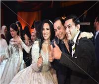 صور| حكيم يُشعل زفاف «باهي وهالة» بحضور توفيق عكاشة وزوجته