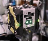 شاهد| وكالة ناسا ترسل روبرتات عائمة للمحطة الفضائية