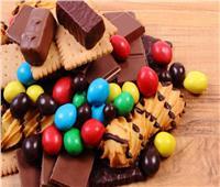 احذر من تناول الحلوى .. «تُعكر المزاج»