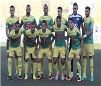 فريق جزائري يطرد لاعبيه لتعاطيهم المخدرات