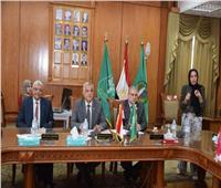 رئيس جامعة المنوفية يعقد اللجنة الشهرية للمنشأت