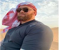 بالصور| أقوى رجل في العالم يزور مصر ويتجول بمنطقة الأهرامات