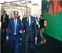 صور| المعلم حسن شحاتة يصل مقر قرعة كأس الأمم