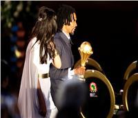 صور| تعرف على ملكة الجمال التي شاركت سونج حمل كأس أفريقيا