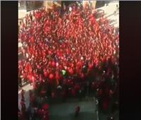 شاهد| هتاف جمهور الأهلي قبل دخول استاد برج العرب