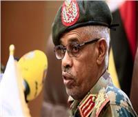 المجلس العسكري السوداني يحيل وزير الدفاع للتقاعد.. ويعين مديرًا جديدًا للمخابرات