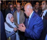 كامل الوزير في جولة مفاجئة بمحطة مصر.. ويتابع التصدي للركوب بدون تذكرة
