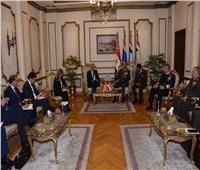 الفريق أول محمد زكي يلتقى وزير دفاع جمهورية البرتغال