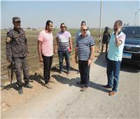 تركيب 68 كشاف لإنارة الشوارع والطرق بمركز أبوقرقاص بالمنيا