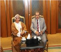 «سعفان» يبحث مع وزير العمل العماني الربط الإلكتروني بين البلدين