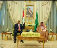 خادم الحرمين يبحث مع رئيس وزراء العراق تطوير الشراكة بين البلدين