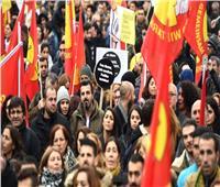 إصابة نائبة موالية للأكراد عند تفريق الشرطة التركية احتجاجًا على الانتخابات