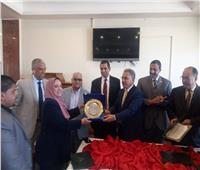 لجنة الإدارة المحلية بالبرلمان تكرم أعضاءها المتميزين