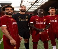 صور| ليفربول يكشف قميصه الجديد بمشاركة محمد صلاح