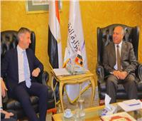 وزير النقل يبحث مع السفير القبرصي دعم التعاون في مجال النقل البحري