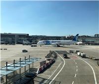 طائرة الأحلام الأولى تقلع من مطار فرانكفورت