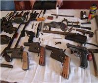 ضبط 186 متهمًا وبحوزتهم 167 سلاح ناري في حملات أمنية