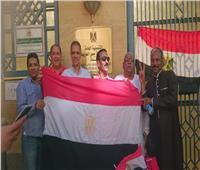 بالصور.. إقبال كثيف من المصريين بجدة على التصويت باستفتاء الدستور