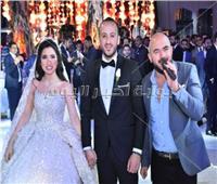 صور| العسيلي يُحيي زفاف «أحمد وبسمة» بحضور الزند وتوفيق عكاشة