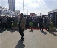 التعديلات الدستورية 2019| توافد العشرات على مقر لجان الاستفتاء بمطار القاهرة
