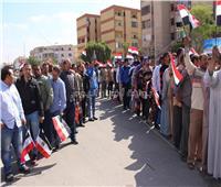 بالصور| طابور من الناخبين أمام لجان التجمع بالقاهرة الجديدة