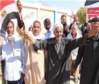 التعديلات الدستورية 2019| بالصور..كبار السن يصوتون على الدستور منذ الصباح الباكر