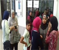 توافد الطلاب والعاملين بجامعة قناة السويس على نقاط التجمع الانتخابية