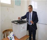 رئيس البريد يُدلى بصوته في استفتاء التعديلات الدستورية