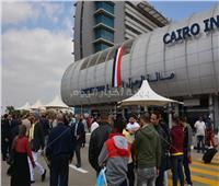 صور  طوابير بلجان مطار القاهرة الدولي للمشاركة في استفتاء الدستور