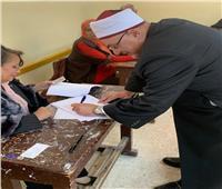 بالصور  خالد الجندى يدلي بصوته في الاستفتاء بـ 6 أكتوبر