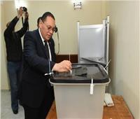 محافظ الشرقية يُدلي بصوته في الاستفتاء على التعديلات الدستورية