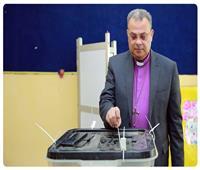 رئيس الطائفة الإنجيلية يدلي بصوته في استفتاء التعديلات الدستورية