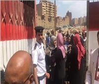 التعديلات الدستورية 2019| رجال الجيش والشرطة يساعدون المواطنين بلجان الهرم