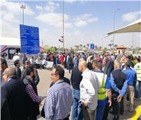 توافد كبير داخل لجان الاستفتاء على التعديلات الدستورية بالمطار