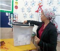 التعديلات الدستورية 2019| نائب محافظ البحر الأحمر تدلي بصوتها في الاستفتاء