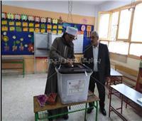 كبار السن أبطال مشهد الاستفتاء في الساعات الأولى من اليوم الثاني