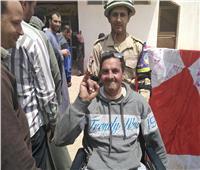 التعديلات الدستورية 2019| معاق يشارك في الاستفتاء ويوجه رسالة لـ«حزب الكنبة»