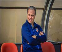 «لاسارتي» يتابع حالة رباعي الأهلي المصابين مع طبيب الفريق