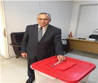 التعديلات الدستورية 2019| نائب رئيس جامعة الأزهر يدلي بصوته في تونس