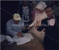 من «الشهداء».. عروسان يدليان بصوتيهما في الاستفتاء على التعديلات الدستورية